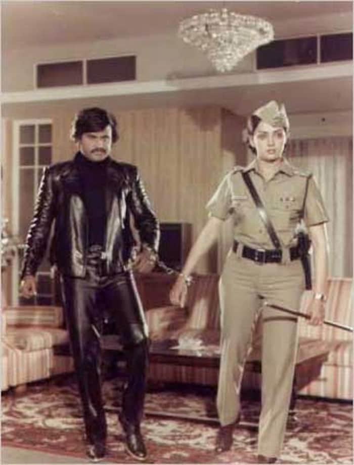 Andha kanoon 1983 also starring amitabh bachchan and hema malini
