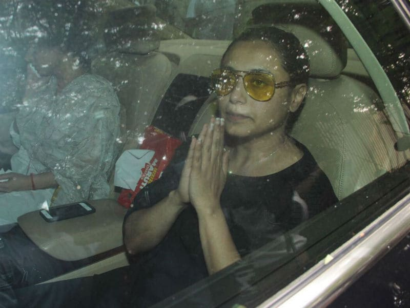 Rani Mukerji Pays Last Respect To Father Ram Mukherjee
