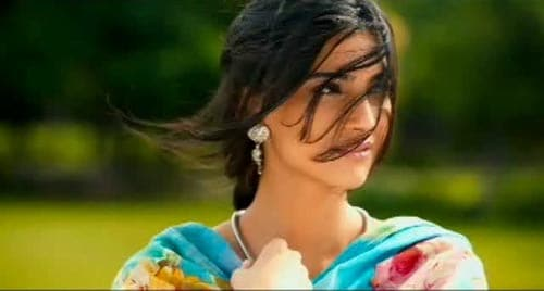 Stunning Sonam in Rehna Tu