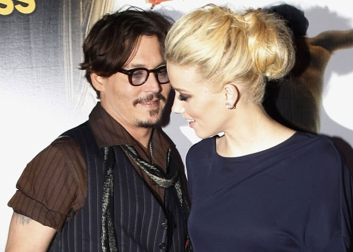 Is Johnny Depp dating bisexual actress Amber Heard?