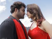 Photo : Review-in-pics:  Oosaravelli