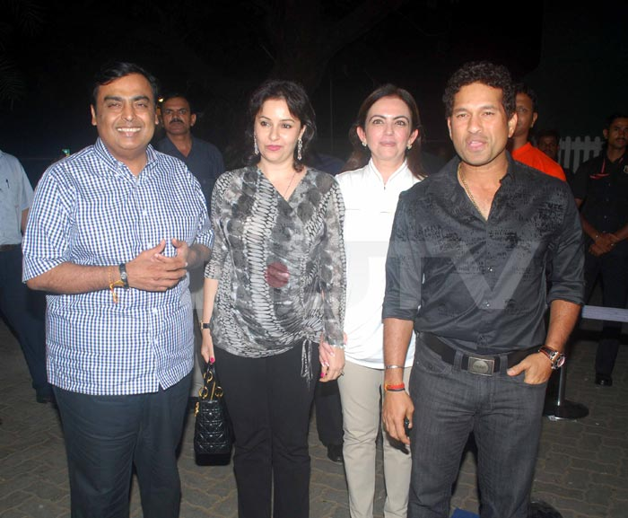 Sachin, Anjali, Nita at Yuvi's Success Bash