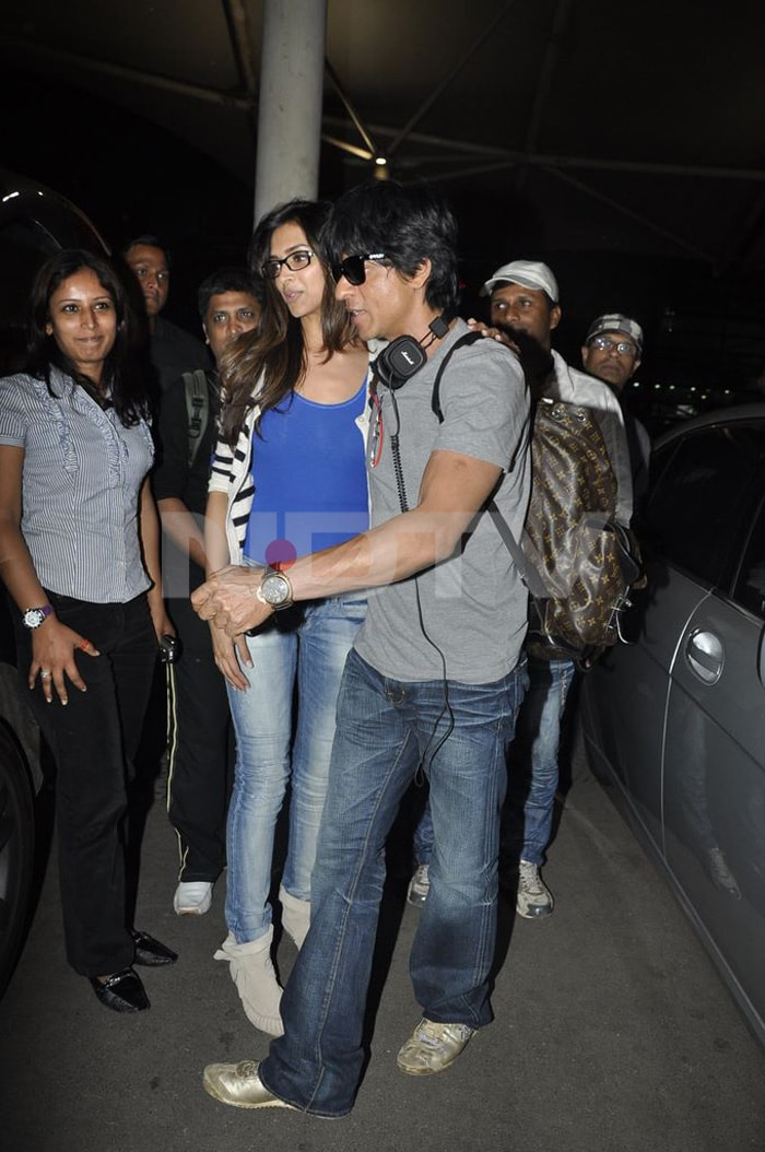 Deepika, SRK, Saif at the airport