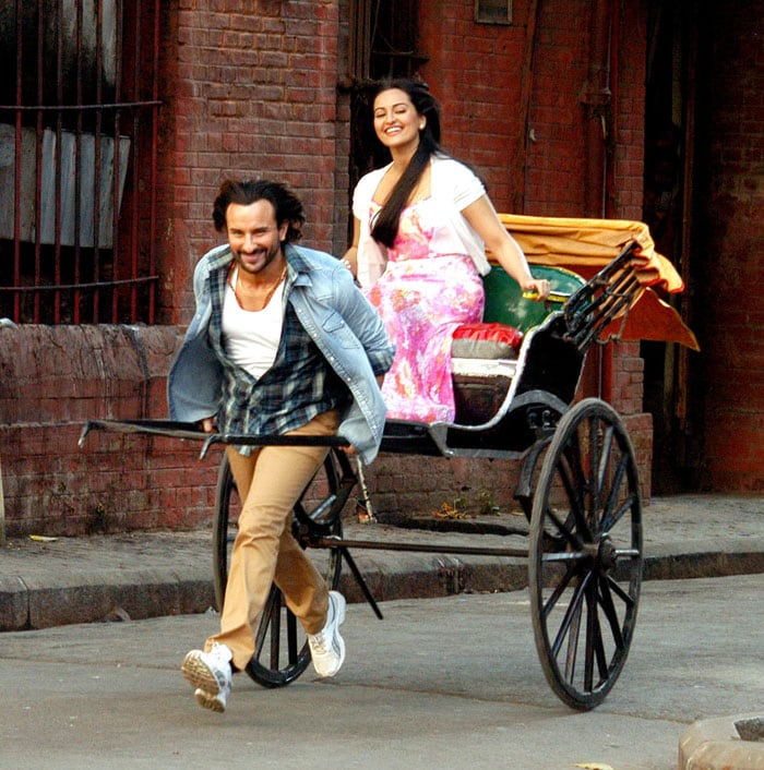 http://drop.ndtv.com/albums/ENTERTAINMENT/saif-shoot/1-saif-sona-rick.jpg