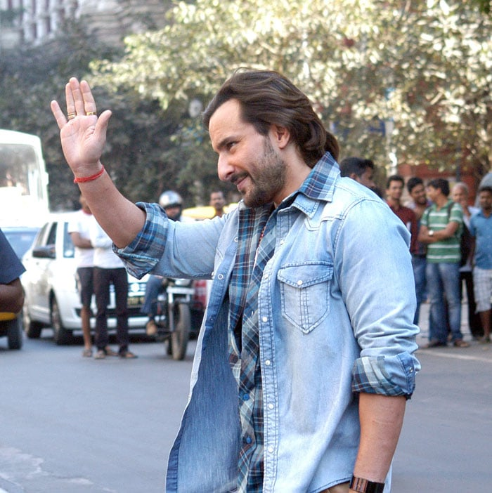 http://drop.ndtv.com/albums/ENTERTAINMENT/saif-shoot/4-saif.jpg