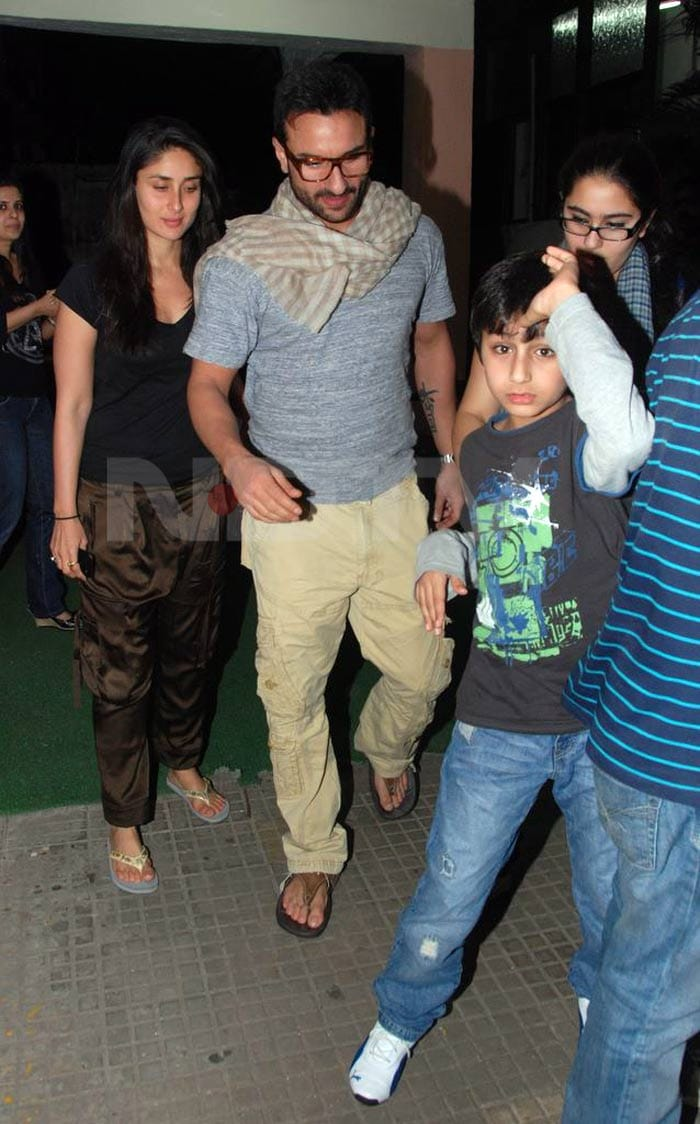 kareena saif son Saif, Kareena watch Anjaana Anjaani bollywood gallery