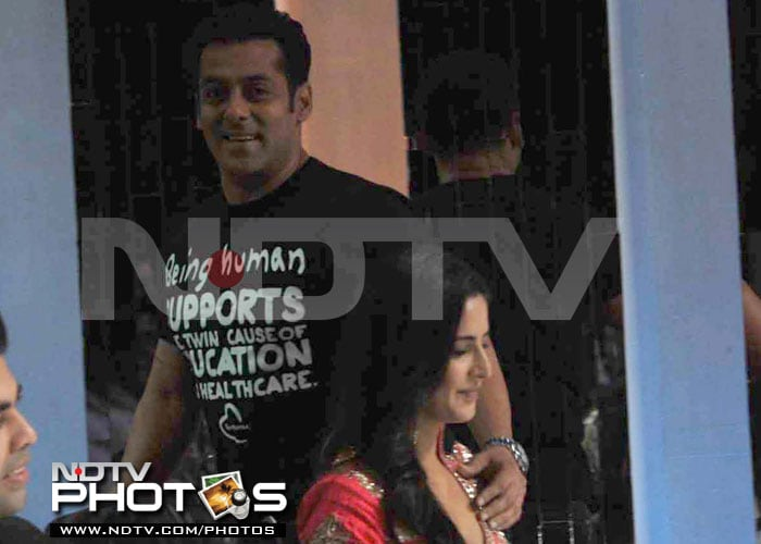 Salman can't keep his hands off Katrina