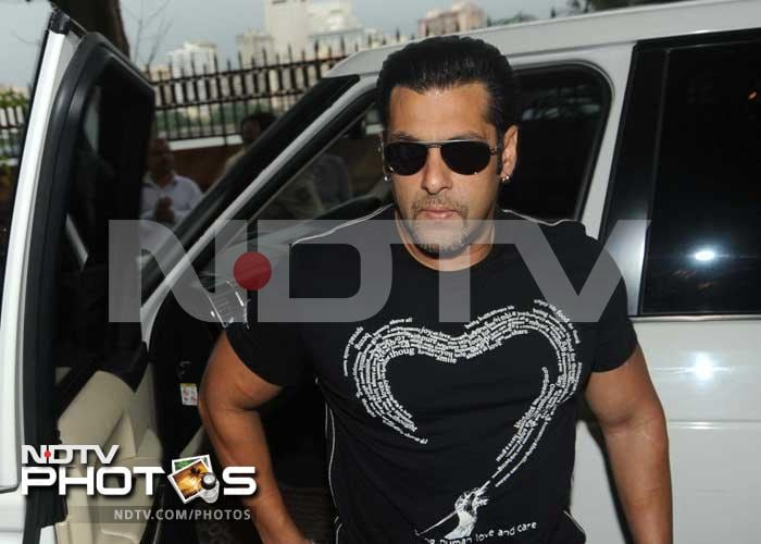 Salman Khan, Ambanis at Vilasrao Deshmukh's prayer meet