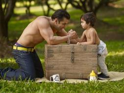 Photo : Adorable Pics From Salman Khan, Starring Cutie Pies Of All Sizes