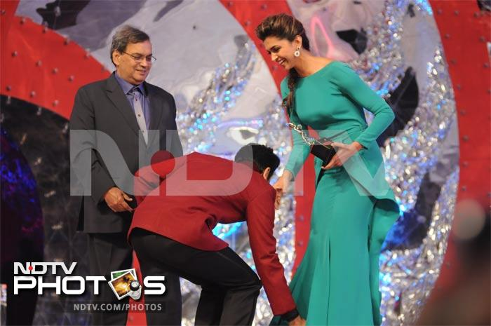 When Ranbir touched ex-flame Deepika's feet