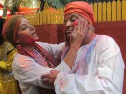 Photo : Inside Shabana Azmi and Javed Akhtar's Holi Party
