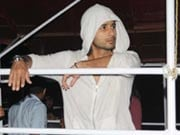 Photo : Shahid caught shooting