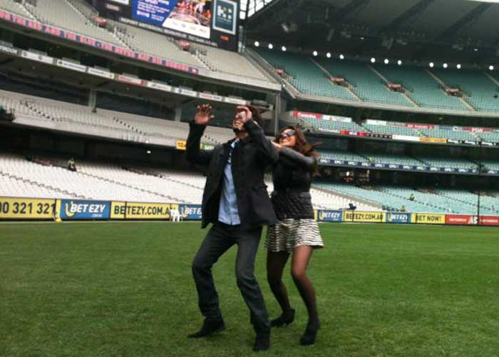 Shahid and Priyanka play ball in Melbourne