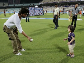Pics of Shah Rukh and AbRam's Play Date Will Make Your Day