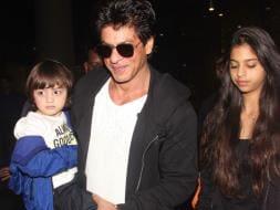 Photo : Shah Rukh Returns With AbRam and Suhana