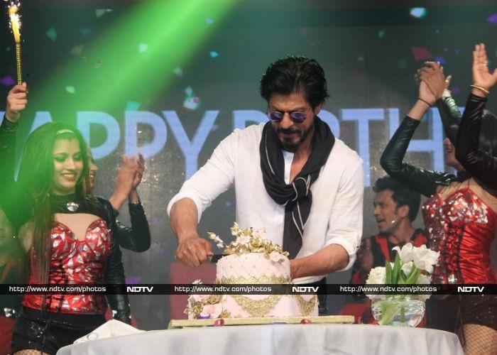 e3d17149e بيت حبآيب شاروخ خان [ 56 ] - Shah Rukh Khan [الأرشيف] - الصفحة 7 -  منتـــديــآت عـــآلم بۈلـــيۈۈد