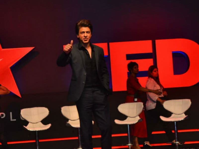 Shah Rukh Khan Like A Baadshah