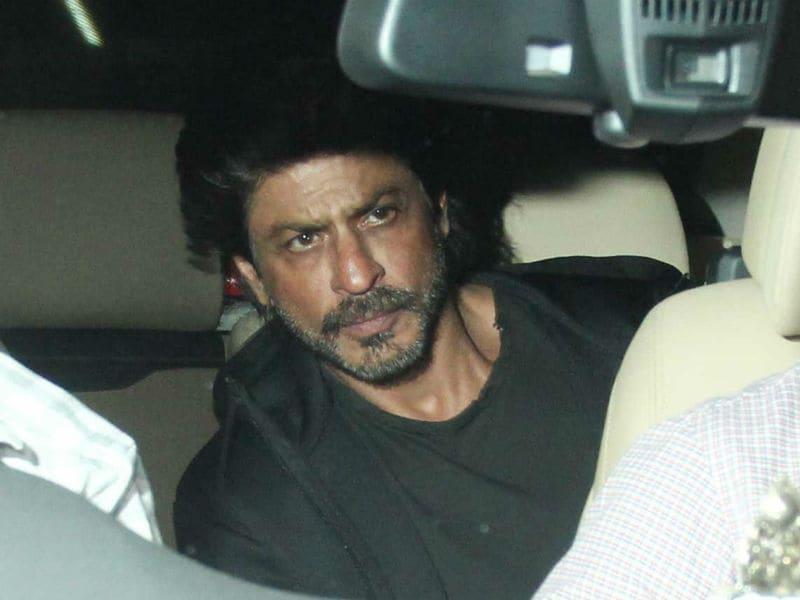 Shah Rukh Arrives For Salman Khan's Party In Style