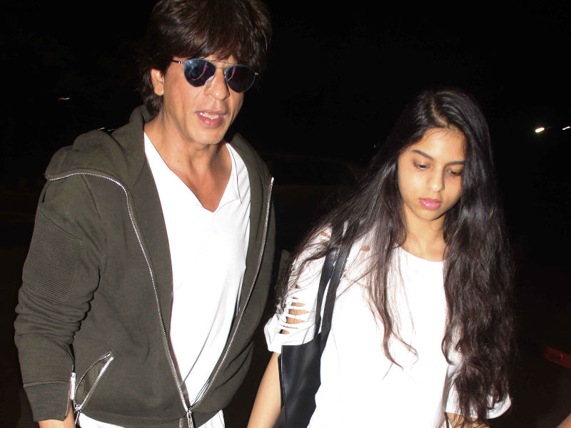 Shah Rukh, Suhana And Deepika Take Off In Style
