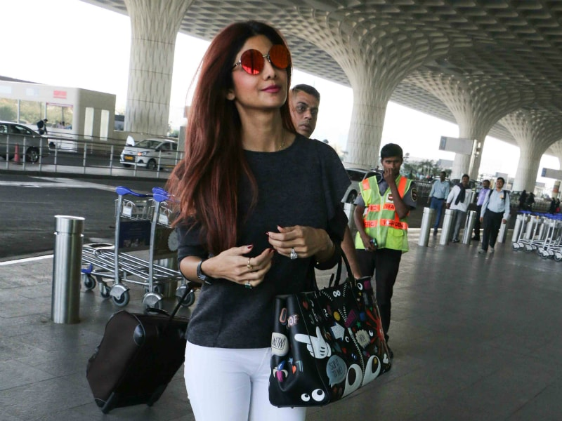 Shilpa Shetty Travels, And Travels In Style