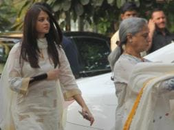 Photo : The Bachchans And Kapoors Attend Prayer Meet For Shilpa Shetty's Father