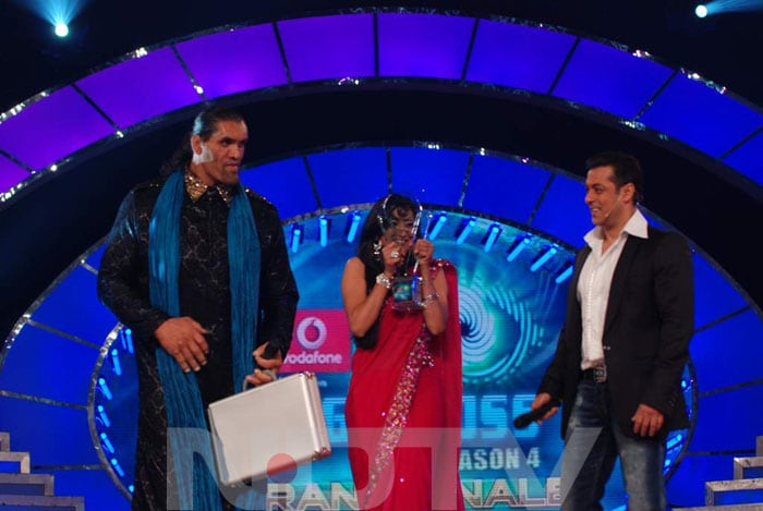 Shweta Tiwari Wins Bigg Boss 4