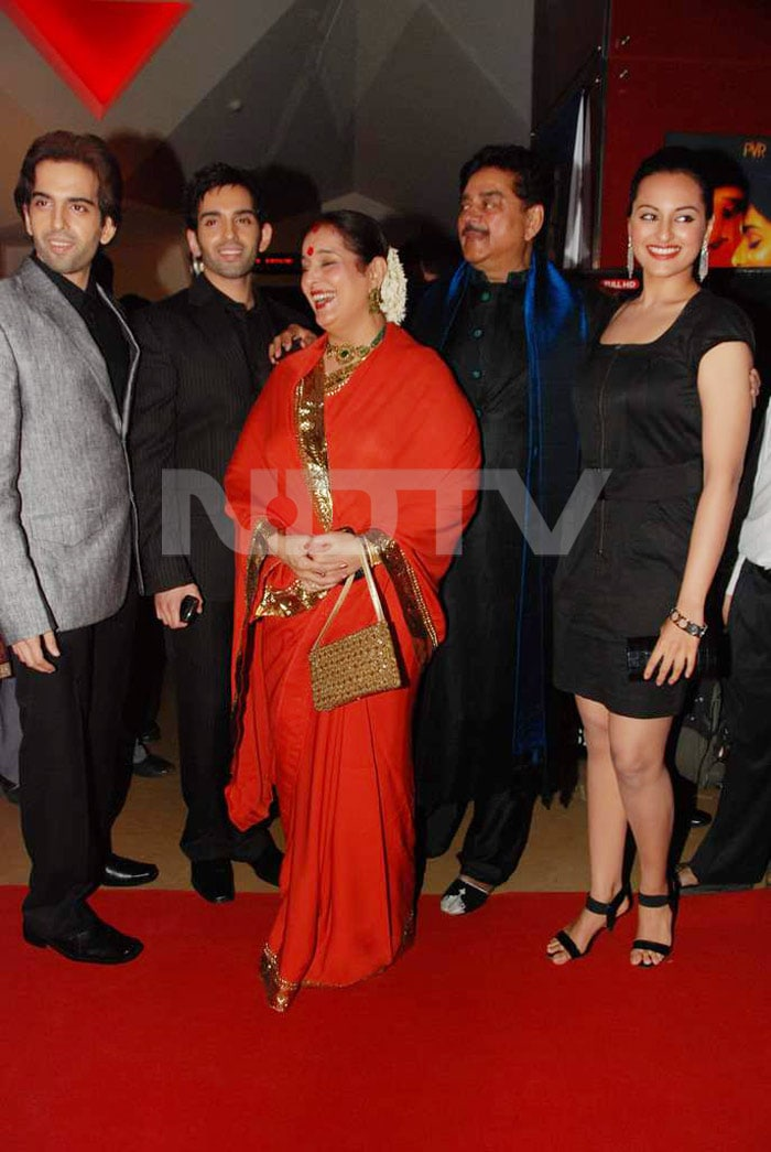 sonakshi family Rising Star of Bollywood, Sonakshi Sinha bollywood gallery