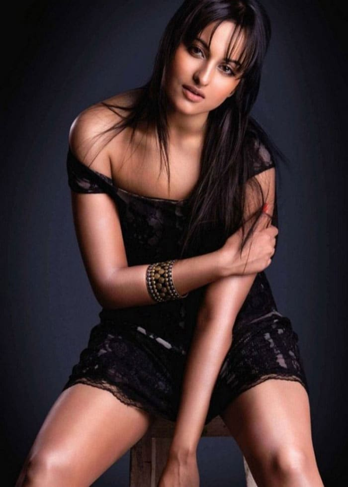 sonakshi maxim1 Rising Star of Bollywood, Sonakshi Sinha bollywood gallery