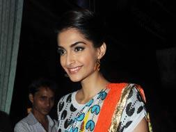 Photo : Stylish, not sexy, says Sonam. Do you agree?