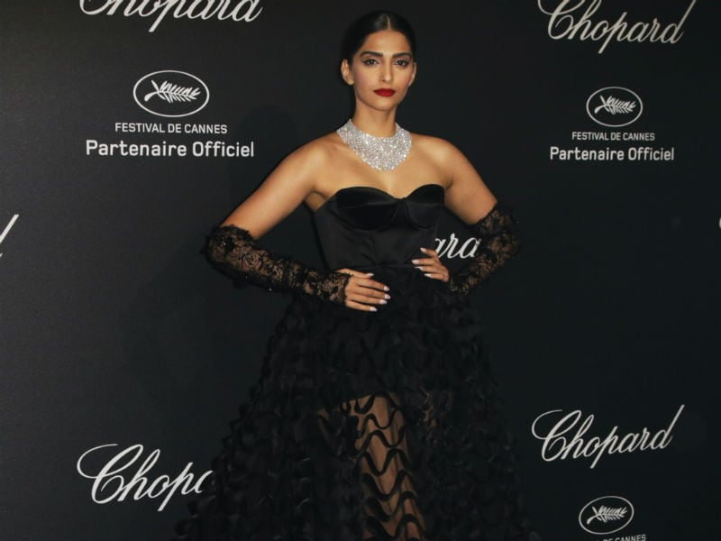 Sonam Kapoor Rocks Another Ralph & Russo Ensemble