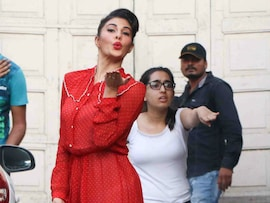 Jacqueline Fernandez Painted The Town Red On Big B, Aamir's Busy Day