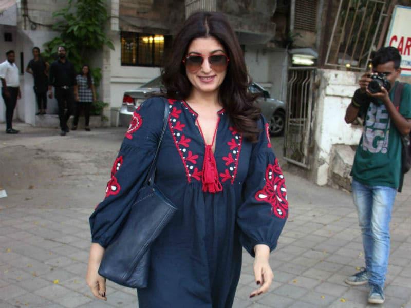 Twinkle Khanna Looks Gorgeous In Blue
