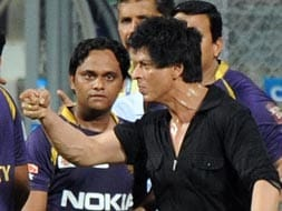 Photo : SRK's scuffle at Wankhede stadium