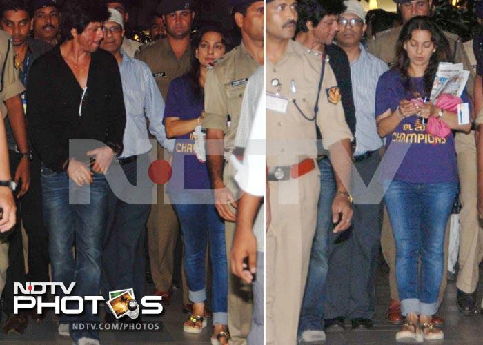 KKR's SRK, Juhi are back in Mumbai