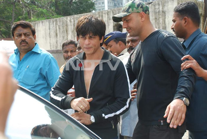 SRK's day out with Gauri and kids