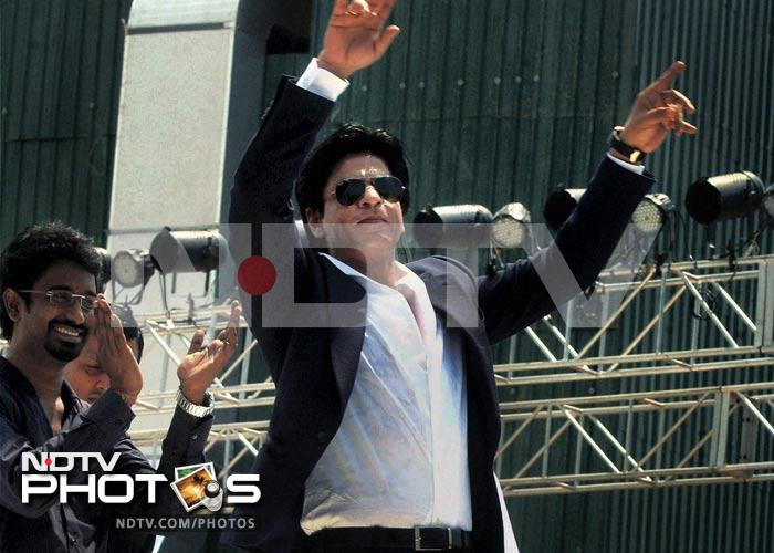 SRK takes Chammak Challo to Bengal