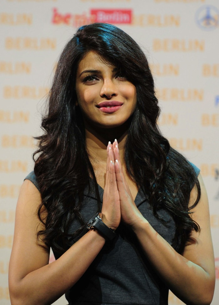 priyanka namaste SRK, Priyanka shoot Don 2 in Germany bollywood gallery