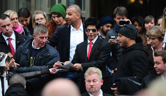 srk 2 SRK, Priyanka shoot Don 2 in Germany bollywood gallery