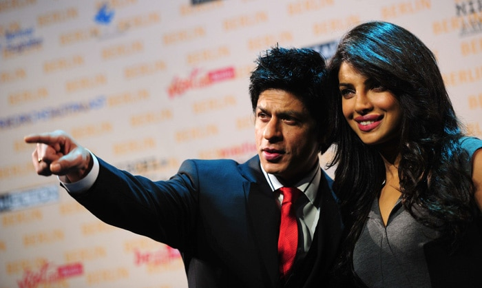 srk priyanka SRK, Priyanka shoot Don 2 in Germany bollywood gallery