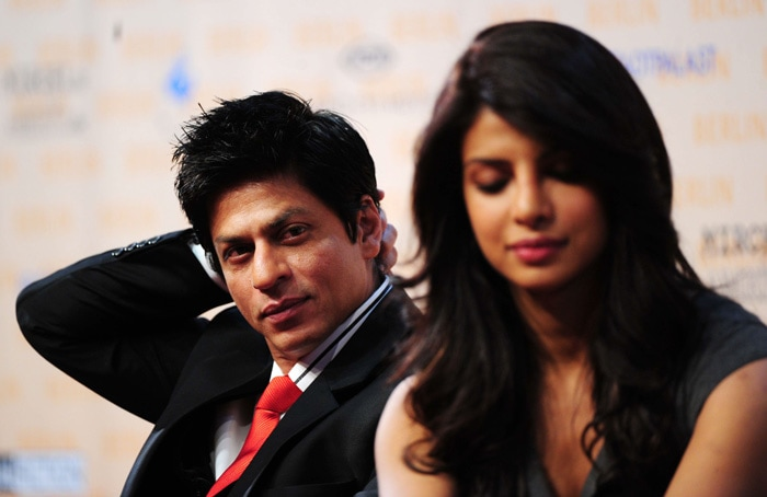 srk priyanka1 SRK, Priyanka shoot Don 2 in Germany bollywood gallery