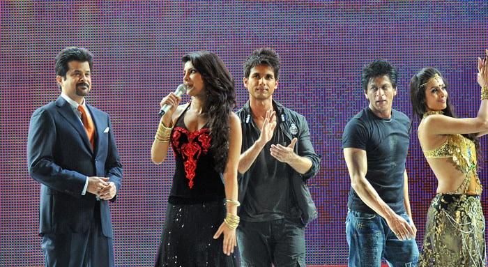 Priyanka, SRK rock South Africa