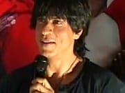 Photo : Shah Rukh promotes RA.One in Bangalore