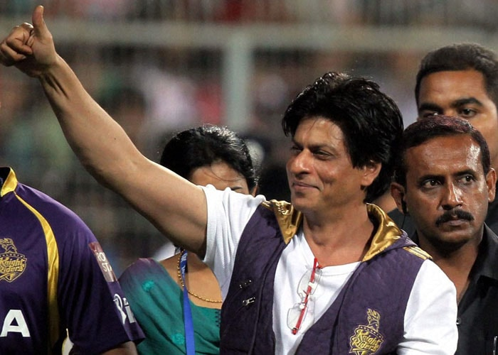 SRK cheered by Eden Gardens crowd