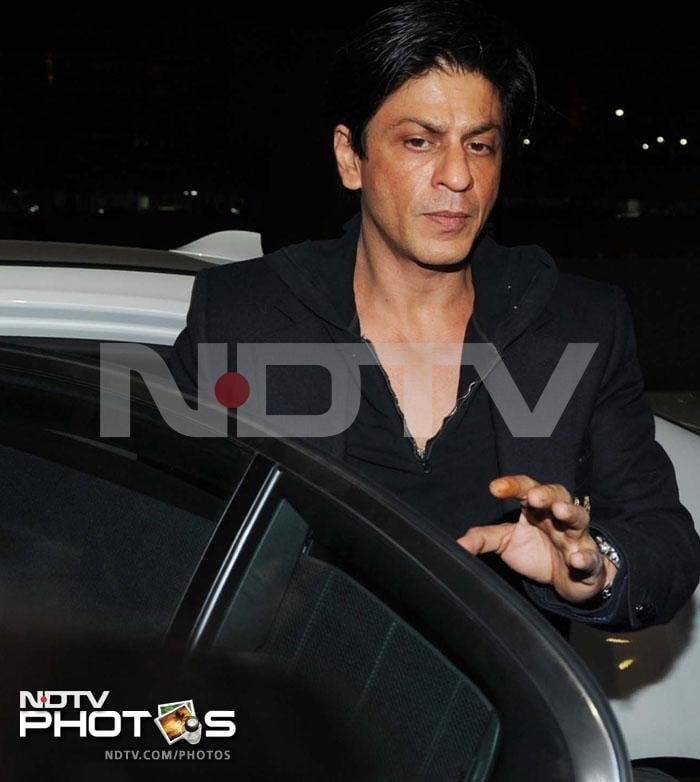 SRK off to London for new movie shoot