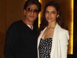 Photo : Ready, steady, party: Shah Rukh, Deepika
