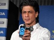 Photo : G.One's gadget: SRK unveils phone
