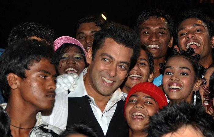 **Salman khan Star Screen Awards 2010!!** Salman_afp
