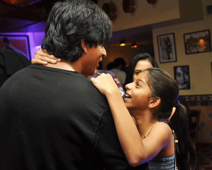 Suhana Khan has a hug for daddy