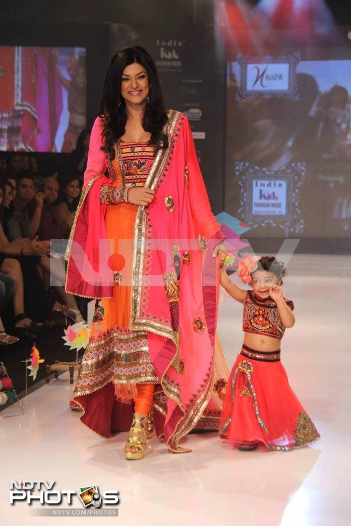 Sushmita's 3-year-old makes her catwalk debut