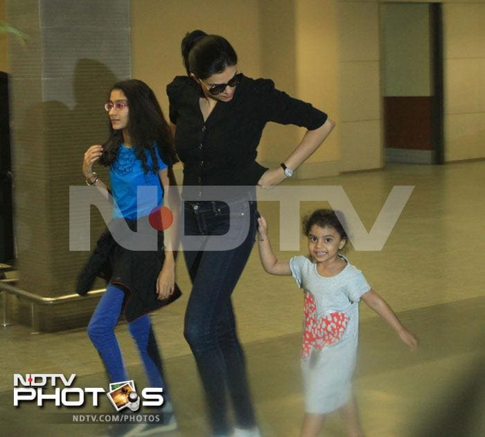Sushmita's little girls are grown up now